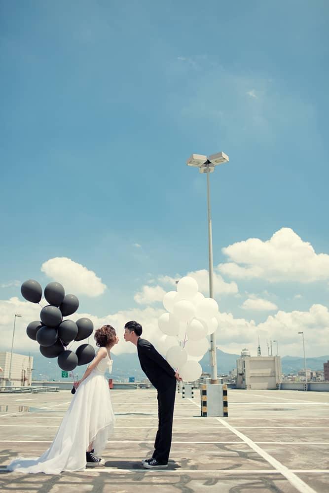 派對婚紗,台北自助婚紗,自助婚紗,自主婚紗工作室,Wedding婚禮記錄,風雲20,城市街道婚紗,氣球婚紗,復古婚紗,陽台婚紗,Taiwan wedding