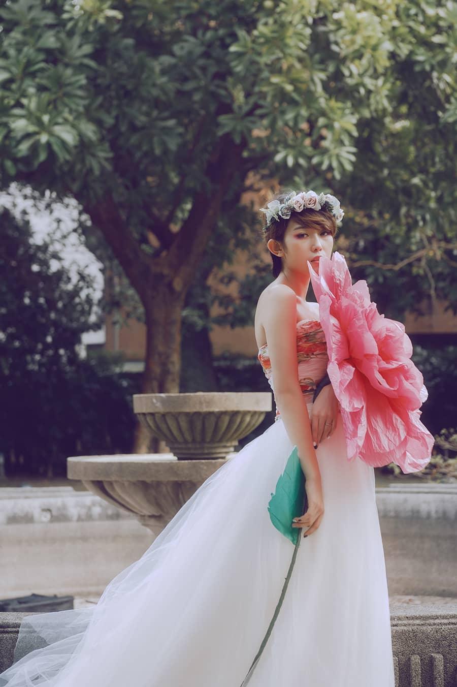 手作紙花,創意捧花,巨型紙玫瑰,紙花,夢幻大紙花,大紙花,巨型紙花,巨型紙花婚紗,自助婚紗,婚紗工作室,Apple face臉紅紅攝影,童話新娘